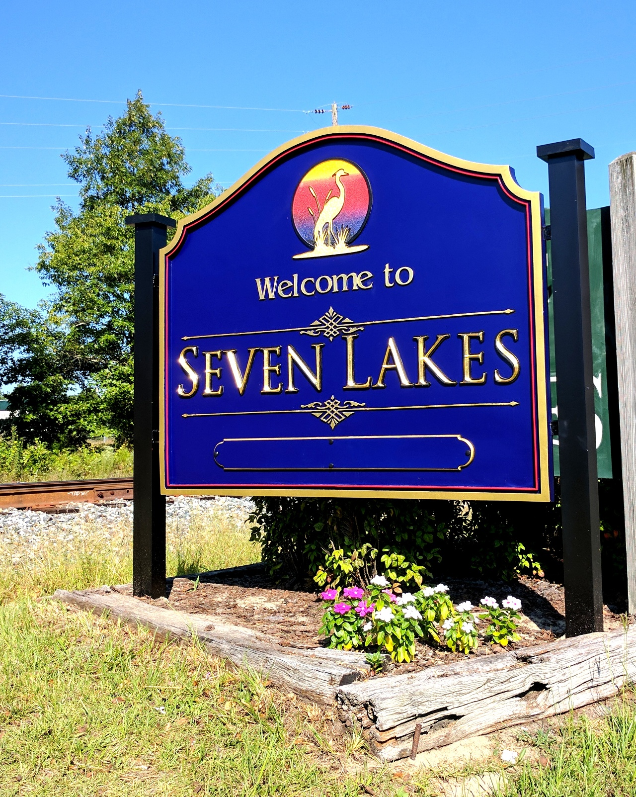 seven lakes community city entrance sign 23kt gold prismatic letters classic signs nc1280x1024