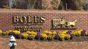 boles business sign custom letters hdu 23kt gold leaf classic signs nc 300x169